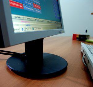 computer-1240311-640x480