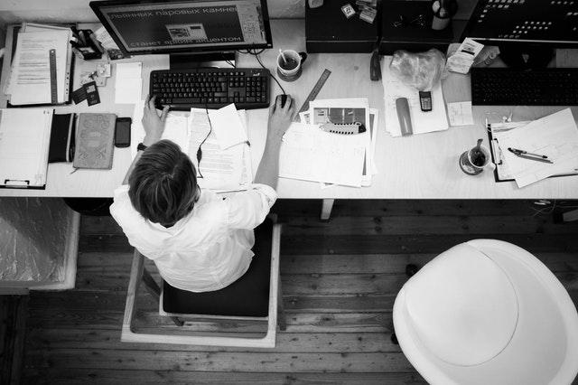 kontor uden ergonomisk mus